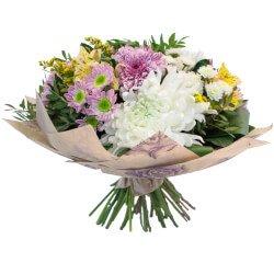 Прекрасный цветочный подарок для смелой и энергичной девушки в Санкт-Петербурге