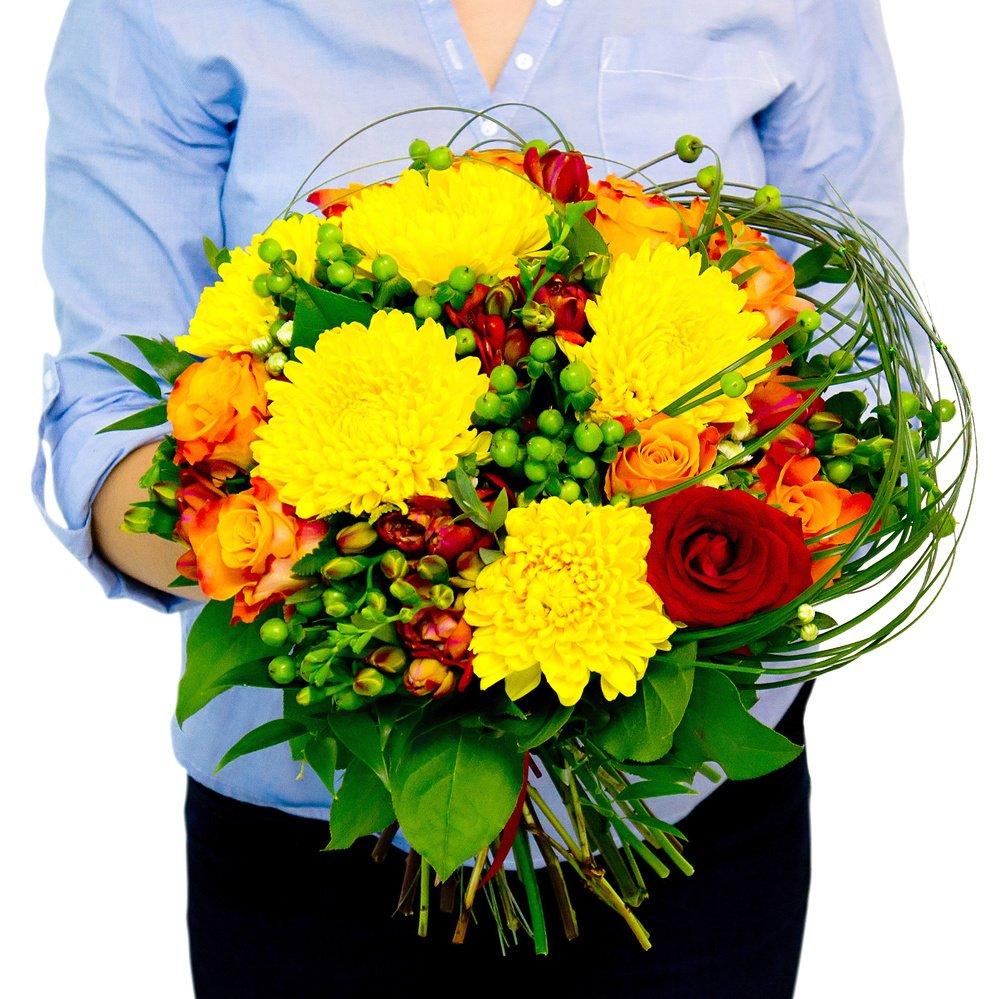 Букет «Рыжий» №1 - желтая крупноцветная хризантема, оранжевая роза и фрезия