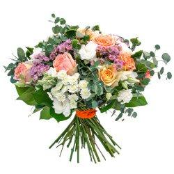 Прекрасные цветы, каждая это своя история, но все вместе единая, оригинальная композиция