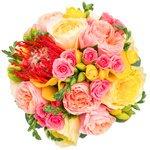 Яркий розово-золотой букет невесты для самого счастливого дня в Санкт-Петербурге