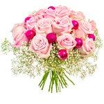 Праздничный букет из нежных розовых роз с шариками в Санкт-Петербурге