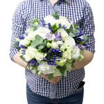 Волшебный букет невесты в нежных сиренево-бело-синих тонах в Санкт-Петербурге