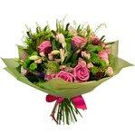 Сказочно-ароматный букет из розовых роз, альстромерии, лизиантуса, таинственно-синей вероники в Санкт-Петербурге