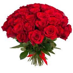 Букет из 55 красных роз с доставкой в Санкт-Петербурге