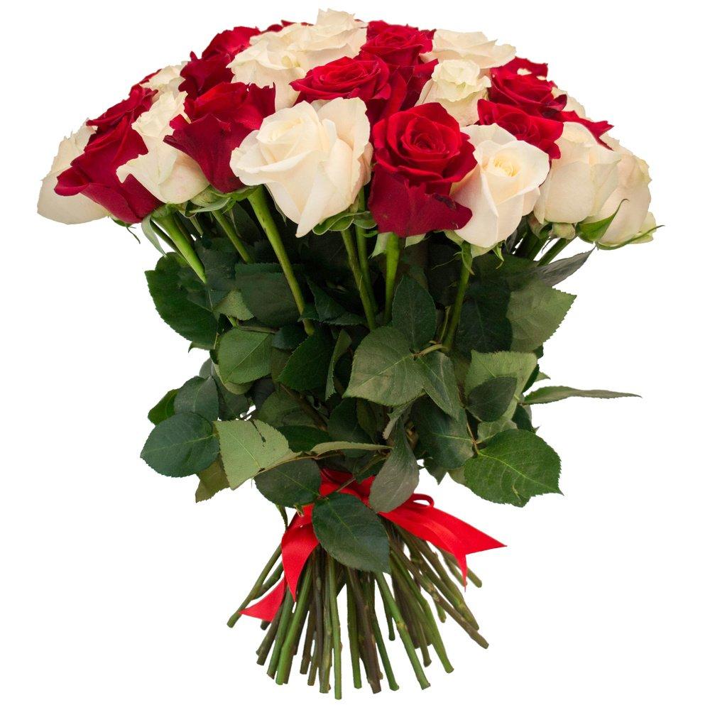 Красный букет и белый цветок