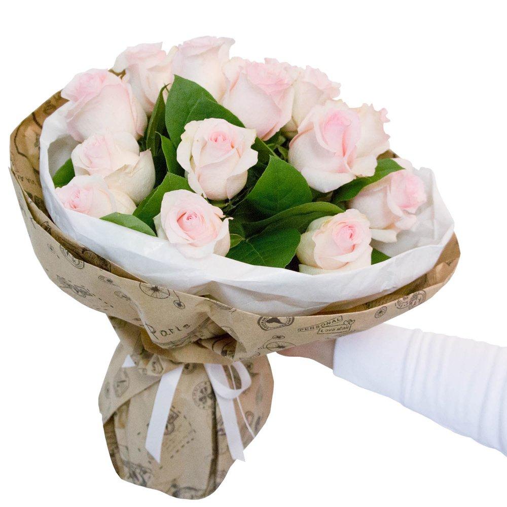 Пинк: розовые розы в крафте