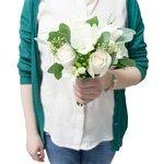 Букет невесты из белых роз и фрезий в Санкт-Петербурге