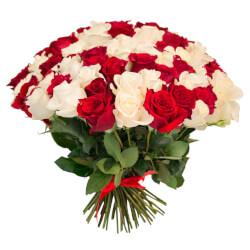 Букет из 101 красной и белой розы в Санкт-Петербурге