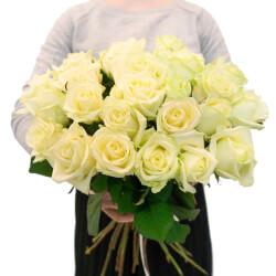 Букет из белых роз по акции в Санкт-Петербурге