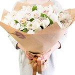 Букет с орхидеями в Санкт-Петербурге