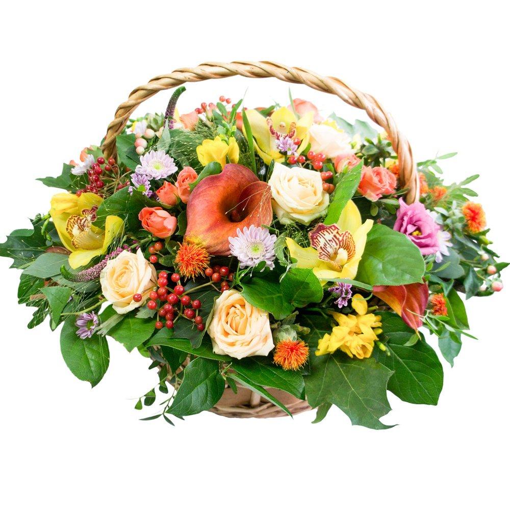 Цветы в корзине баллы, персиковые розы, орхидеи цимбидиум, калина, лизиантус розовый, картамус, фрезия, хризантема кустовая, вероника, кустовая оранжевая роза, паникум, фисташка, салал в Санкт-Петербурге