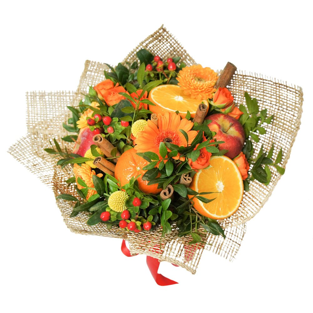 Глинтвейн: цветочно-фруктовый букет с апельсином, яблоками, герберами и розами
