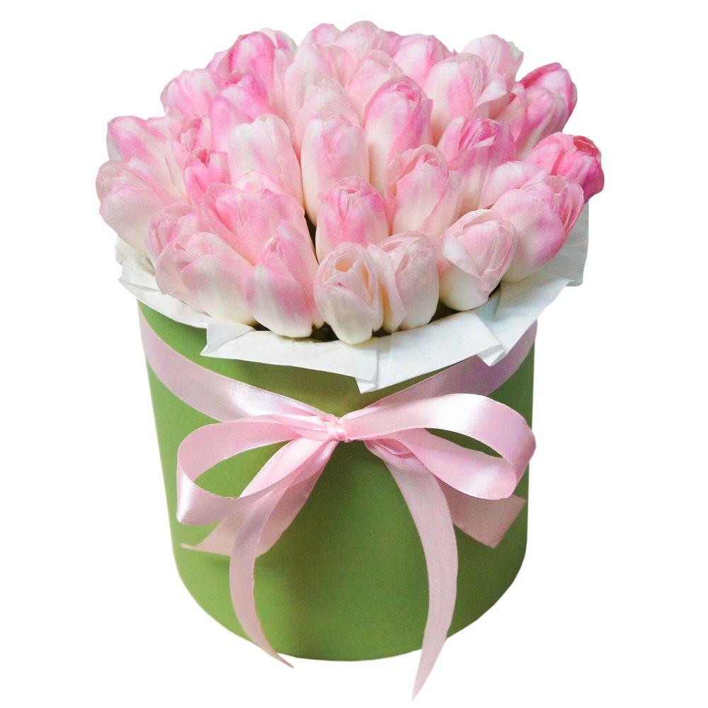 Шляпная коробка с розовыми тюльпанами в Санкт-Петербурге