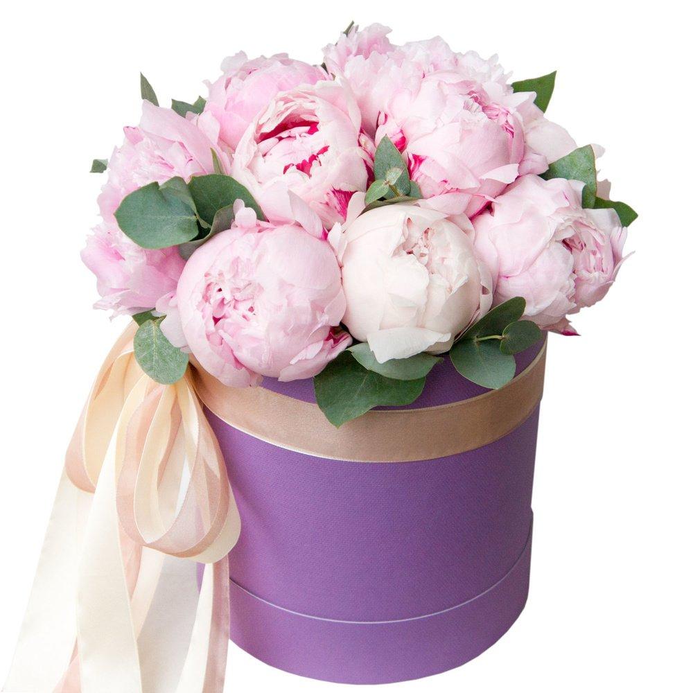 Жозефина: нежно-розовые пионы в шляпной коробке