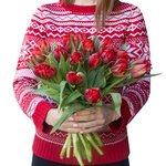 Букет из тюльпанов красных пионовидных в Санкт-Петербурге