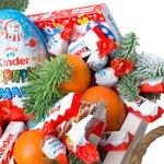 Сани со сладостями и мандаринами в Санкт-Петербурге
