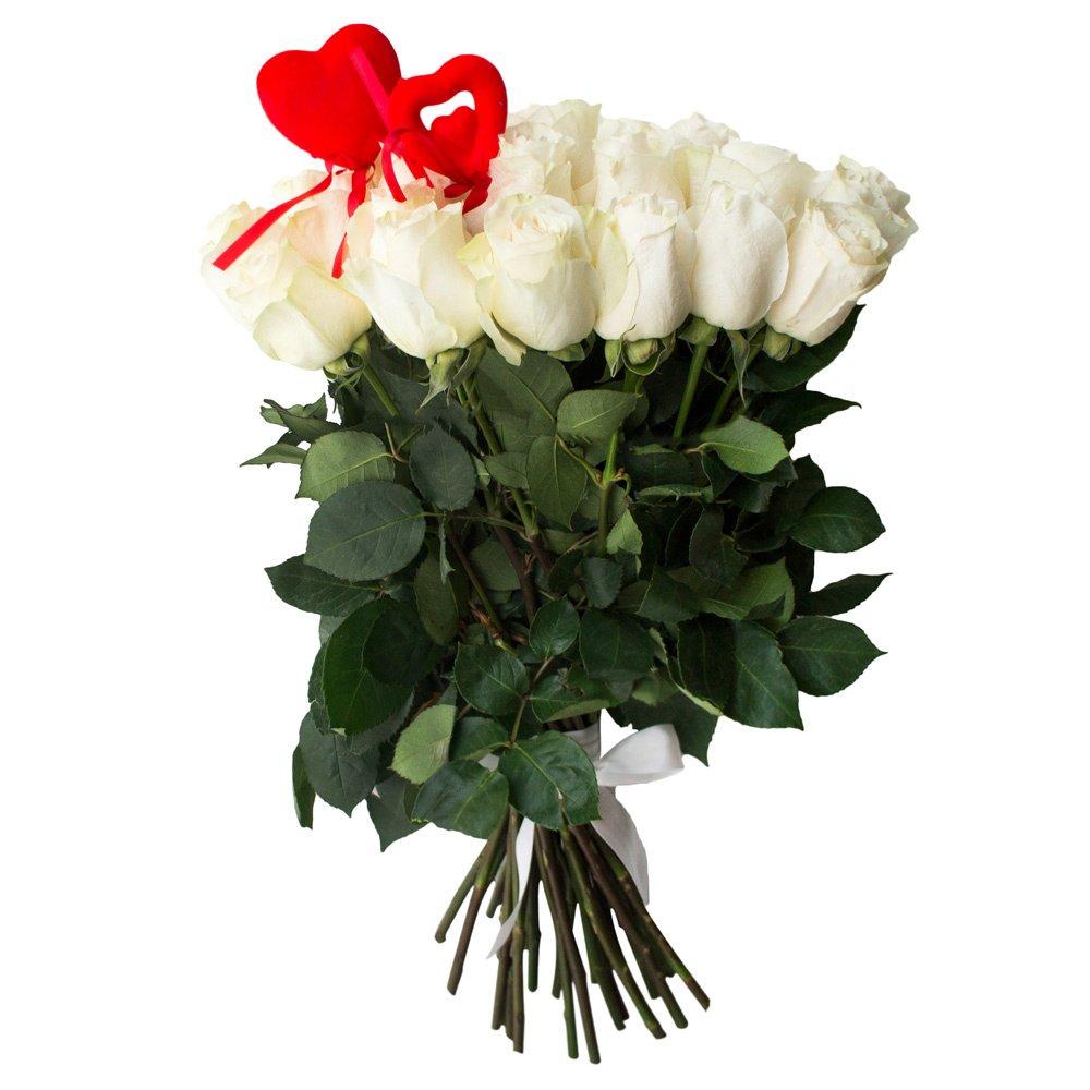 35 белых роз с сердцами