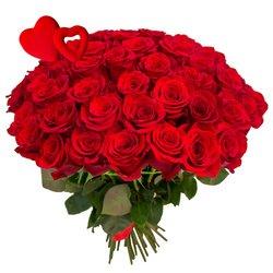 Букет из 65 красных роз на 14 февраля в Санкт-Петербурге