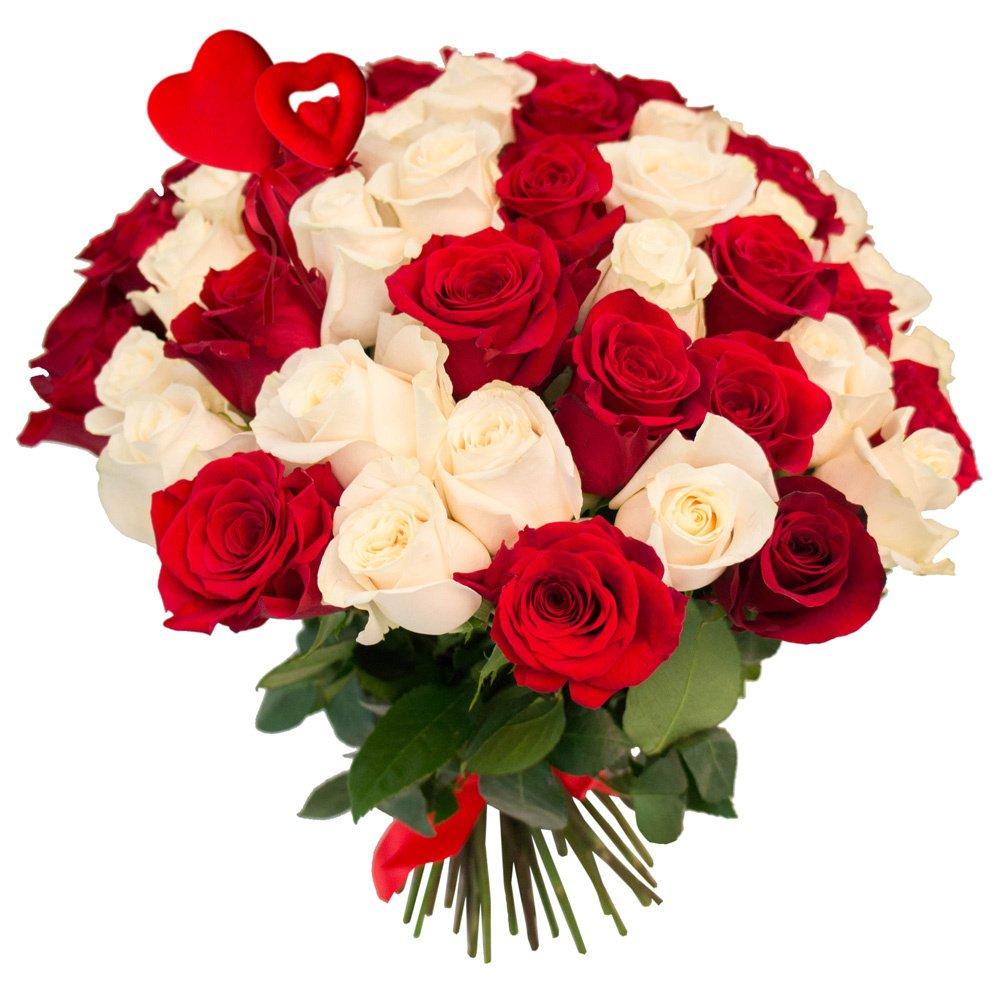 65 красных и белых роз с сердцами