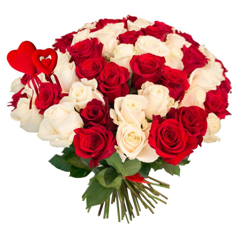 75 красных и белых роз с сердцами