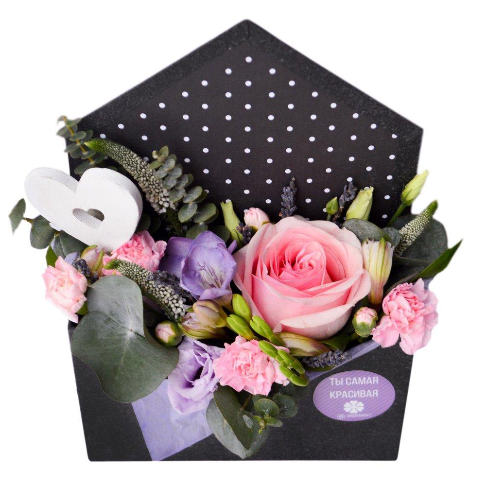 Конверт с цветами и сердечком в Санкт-Петербурге