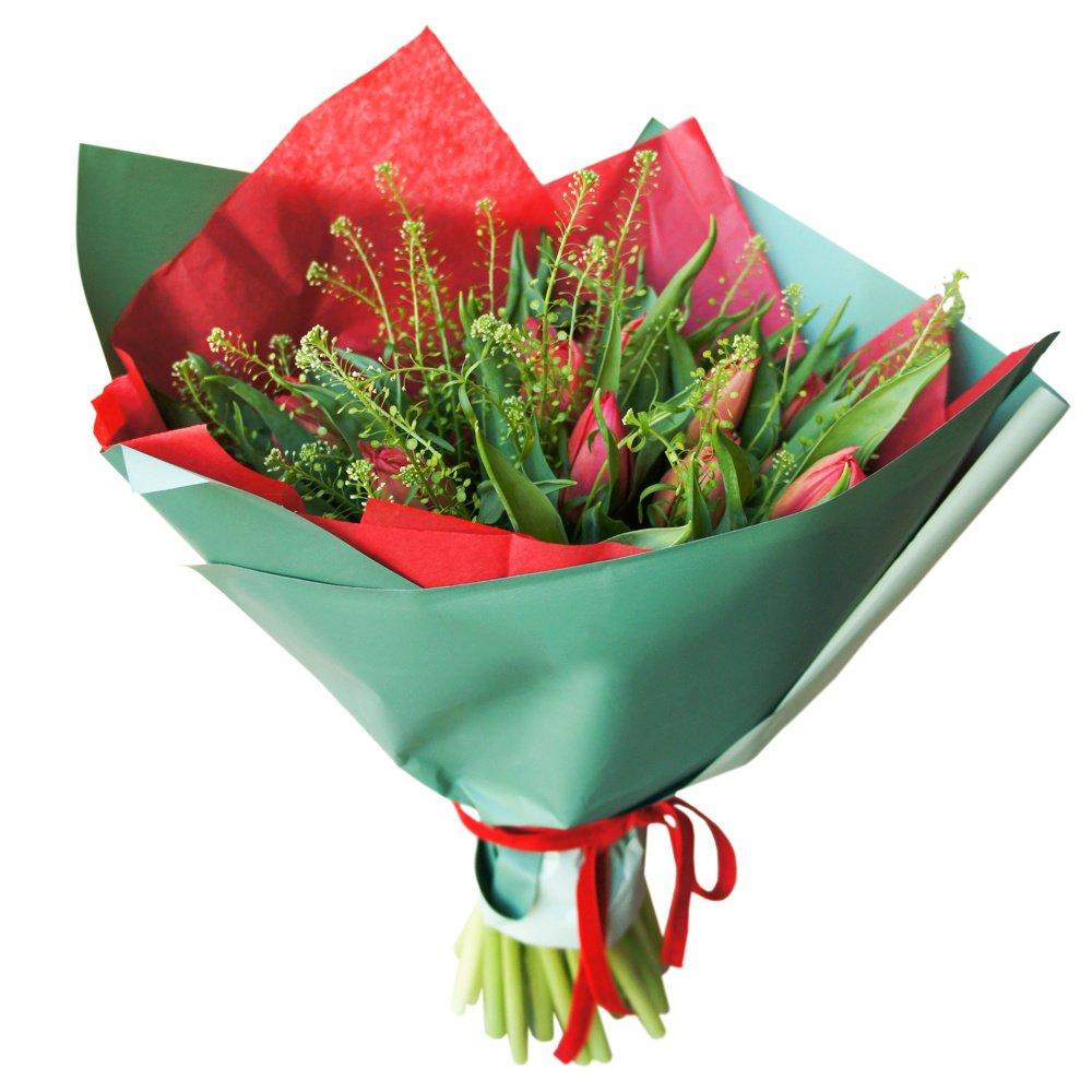 25 красных пионовидных тюльпанов с гринбеллом