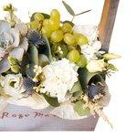 Композиция с суккулентом и виноградом ящике Санкт-Петербурге