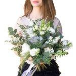 Раскидистый нежный букет невесты в Санкт-Петербурге