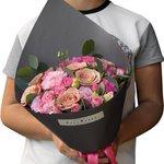 Розы Капучино с розовым лизиантусом и кустовыми розами в стильной упаковке в Санкт-Петербурге
