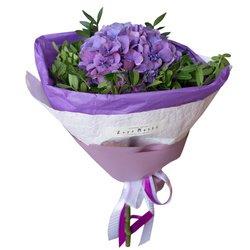 Фиолетовая гортензия в упаковке в Санкт-Петербурге