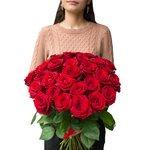 Букет из 31 алой розы в Санкт-Петербурге
