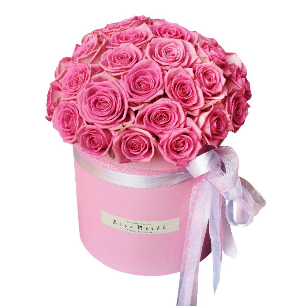 Розовые розы в розовой шляпной коробке в Санкт-Петербурге