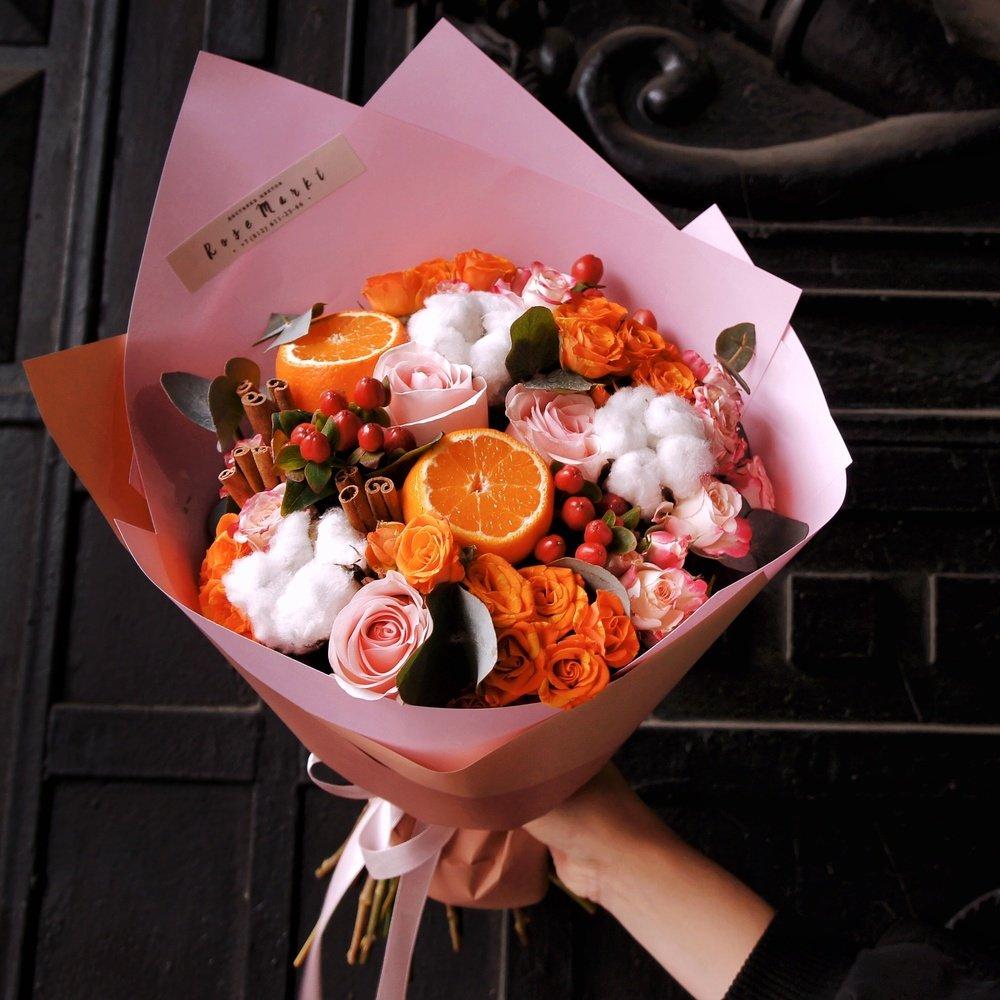 Букет недели от RoseMarkt c доставкой в Санкт-Петербурге