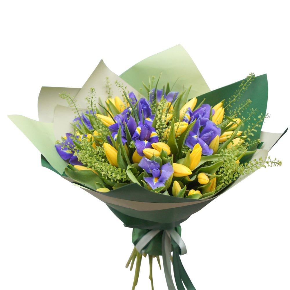 Весна всегда: букет желтых тюльпанов с синими ирисами