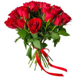 Букет из 25 красных Кенийских роз в Санкт-Петербурге