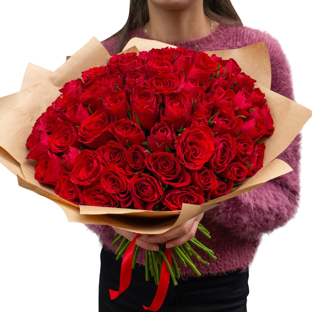 Роза Кения красная 51 штука в крафте