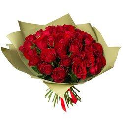 Букет из 51 красной Кенийской розы в упаковке в Санкт-Петербурге