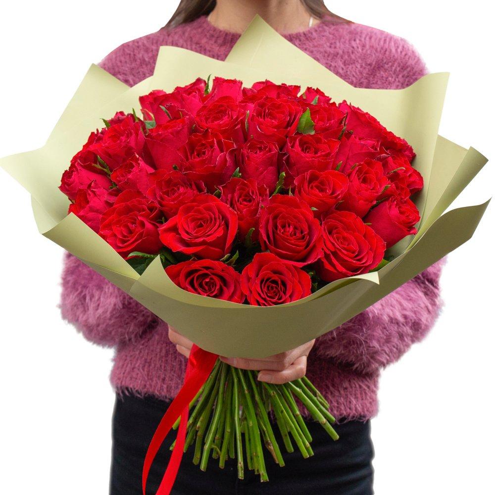Роза Кения красная 51 штука в упаковке