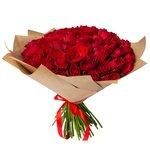 Букет из 75 красных Кенийских роз в крафт-бумаге в Санкт-Петербурге
