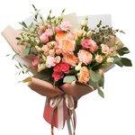 Букет в корейском стиле с пионовидной кустовой розой Джульетта в Санкт-Петербурге