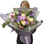 Букет в корейском стиле с розами и тюльпанами в Санкт-Петербурге