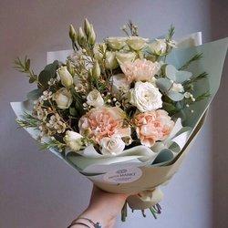 Букет на вкус флориста по фото из Инстаграма. Бесплатная доставка в Санкт-Петербурге