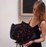 Букет по мотивам картины «Чёрный квадрат» Казимира Малевича в стильной упаковке в Санкт-Петербурге