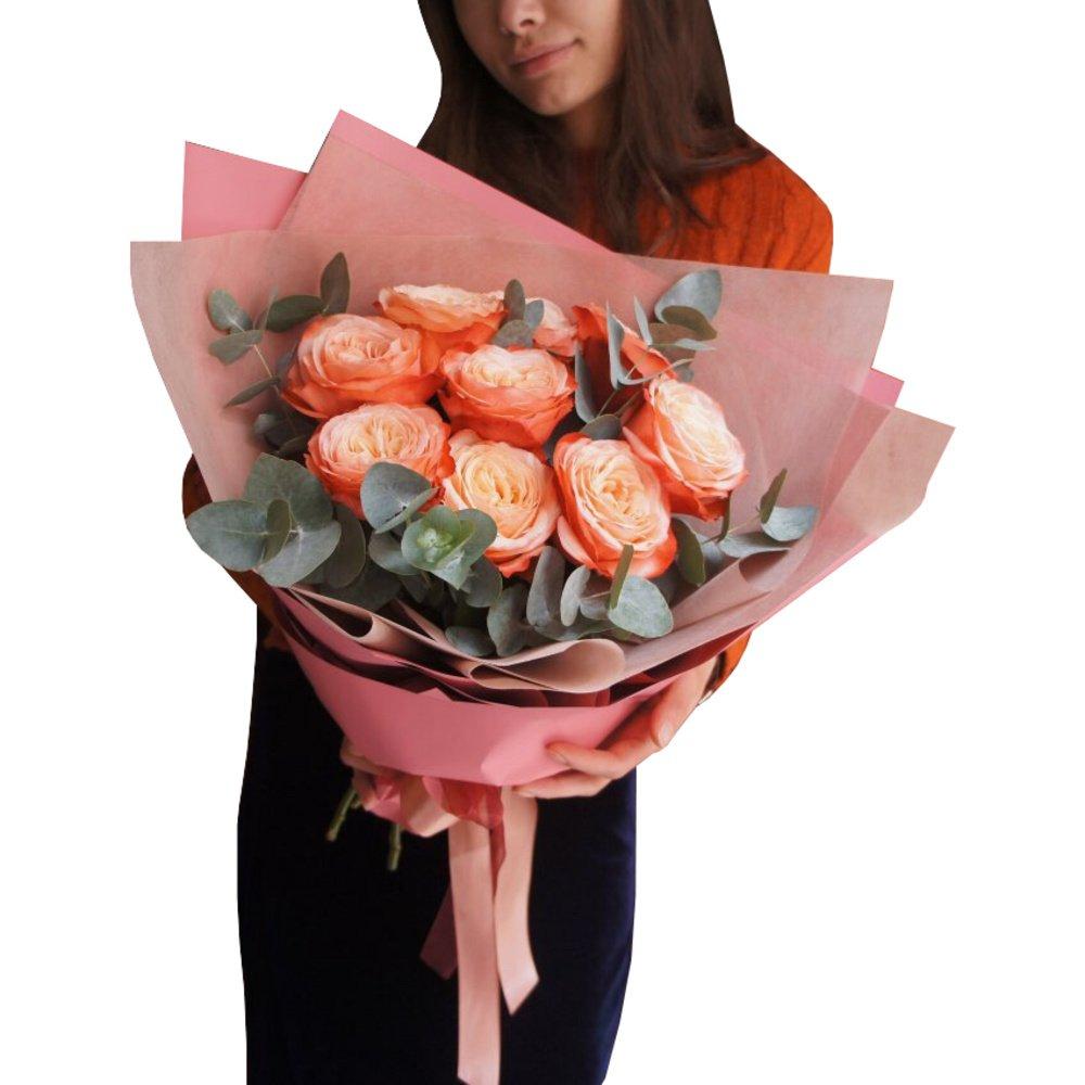 Букет 9 роз Кахала и эвкалипт в корейской упаковке в Санкт-Петербурге