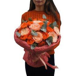 Букет пионовидные розы Кахала, кустовые оранжевые розы в Санкт-Петербурге