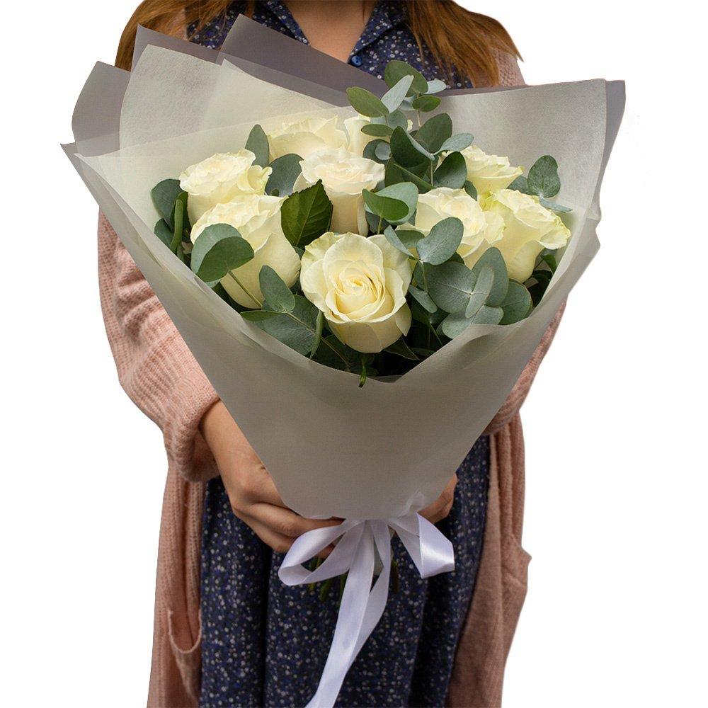 Букет 9 белых роз в Санкт-Петербурге