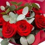 Букет 9 красных роз в Санкт-Петербурге