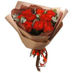 Букет 9 пионовидных роз Рэд Ай с листьями эвкалипта в Санкт-Петербурге