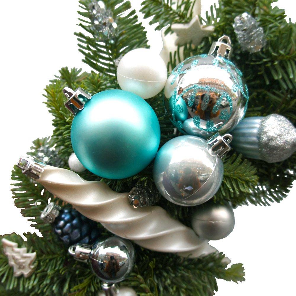 Рождественский венок №18: в скандинавском стиле с шариками