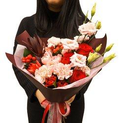 Букет в офис руководителю или коллеге из роз, эустом и других свежих цветов в Санкт-Петербурге